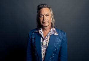 Jim Lauderdale hosts Stars in the Round at Shakori Hills